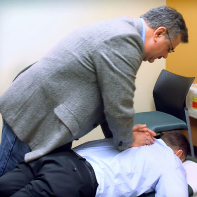 4 Signs It's Time to See a Chiropractor