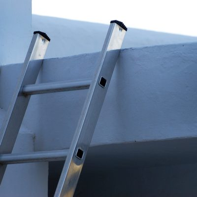 Choosing the Right Ladder to Roof Your House